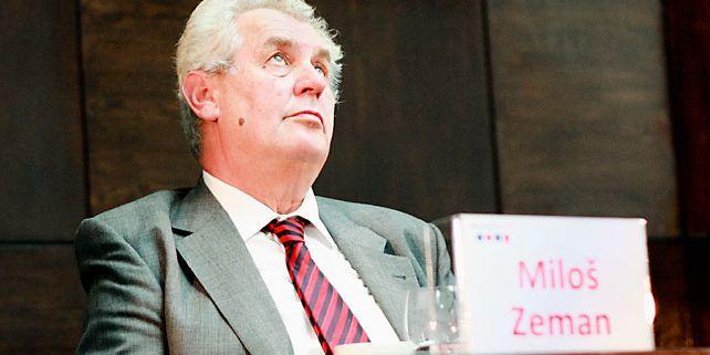 Bývalý český premiér a dlouhodobý zastánce přímé volby Miloš Zeman vycházel při své argumentaci především z toho, že kvalita českých politiků má v poslední době sestupnou tendenci. Foto: Archiv Masarykových debat.