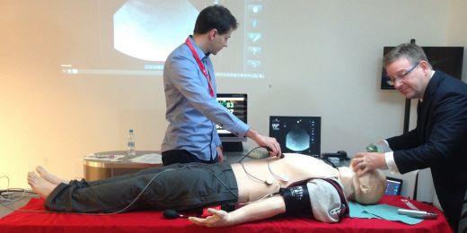 Na výroční konferenci si návštěvníci na praktických workshopech mohli vyzkoušet i práci s virtuálními pacienty nebo s pacientskými figurínami.