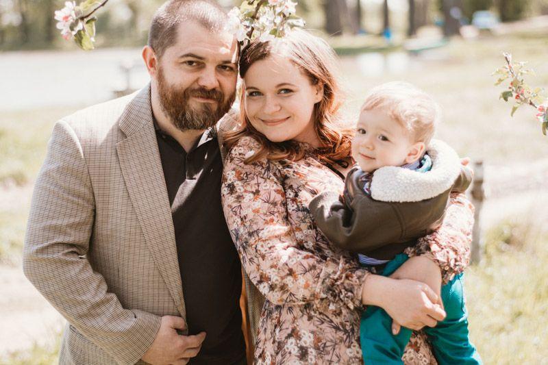 Alexandra Šmídová porodila týden po odevzdání diplomky. Teď je na doktorátu ačeká už smanželem Tomášem Šmídem druhého potomka.