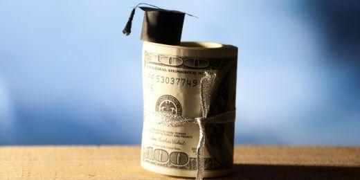 Američtí studenti si mohou na studium na MU půjčit.