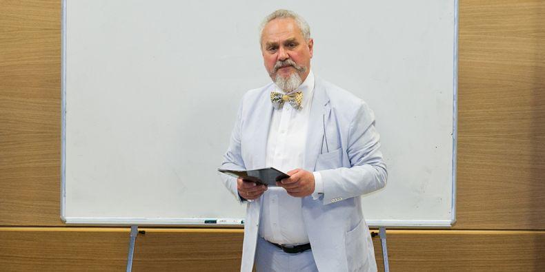 Andrej Zubov na přednášce na Filozofické fakultě MU v roce 2015.