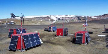 V provozu stanice hraje velkou roli sluneční a větrná energie.