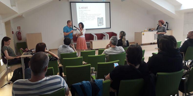 Do začátku letních prázdnin proběhne ještě poslední setkání, a sice 25. června, kde bude přednášet Jana Línová na téma: Přístupy městských samospráv k problematice bezbariérovosti.