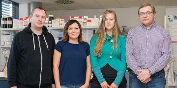 Fotografie týmu Masarykovy univerzity, který se výzkumu zúčastnil. Na snímku zleva Michal Strouhal, Lenka Mikalová, Linda Grillová aDavid Šmajs.