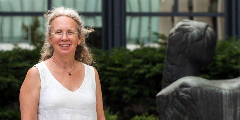 Susan Wiser žije a pracuje na Novém Zélandu.