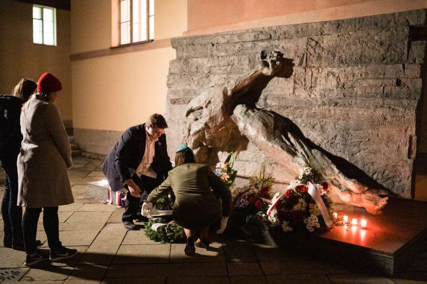 Pieta upamátníku věnovaného obětem nacismu vKounicových kolejích.