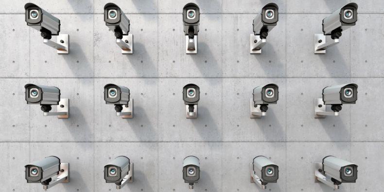 Nejen sledování třeba na ulici, ale sběr různých dat v soukromí jsou dnes v podstatě běžnou součástí života.