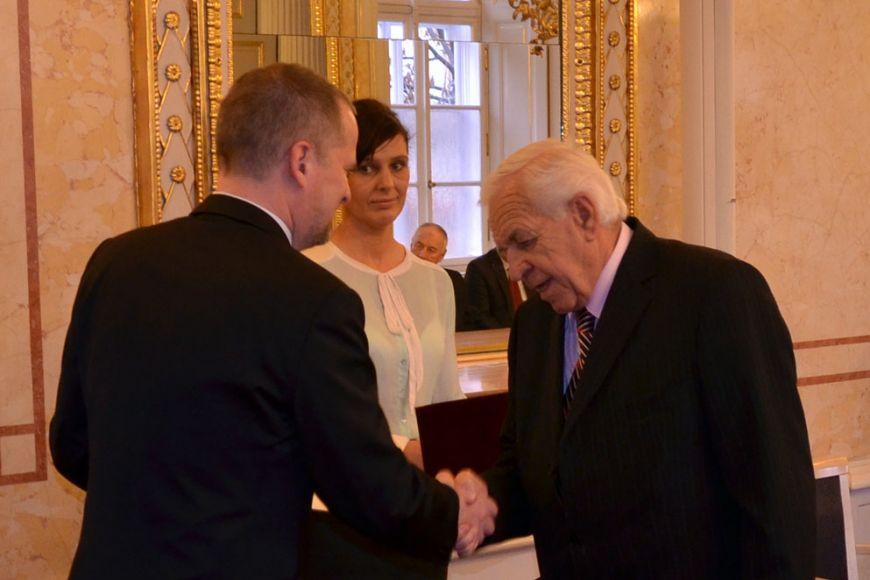 Ocenění získal také profesor Vladimír Podborský zústavu archeologie amuzeologie filozofické fakulty. Foto: Petr Čučka.