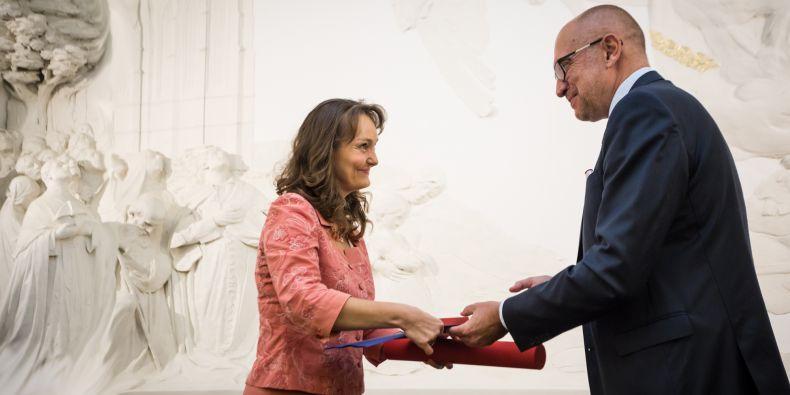 Z předávání Ceny rektora pro vynikající pedagogy na podzim roku 2018. Jednou z oceněných byla Maria Králová z Ekonomicko-správní fakulty MU.