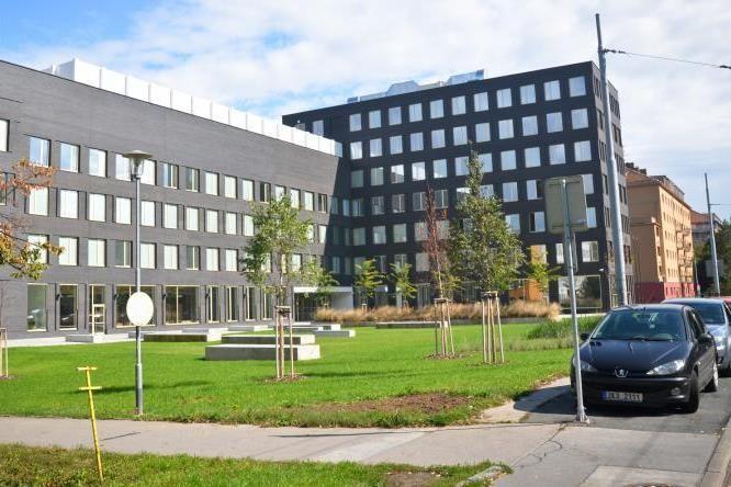Nová čelní budova fakulty informatiky.