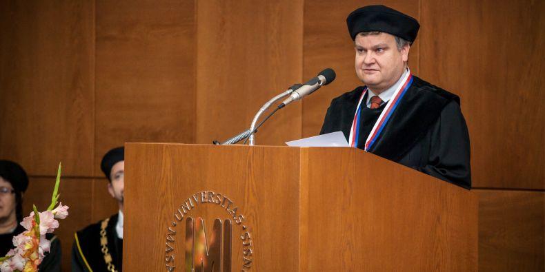 Thomas Henzinger při slavnostním projevu.