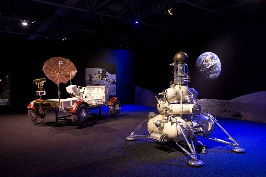 Výstava ukazuje modely ipůvodní díly.