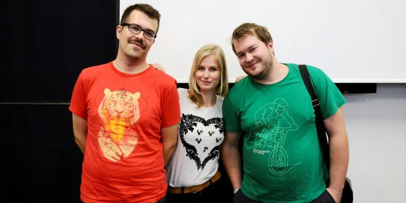 (zleva) Dušan Šimonovič, Eva Illésová a Jan Podzimek.