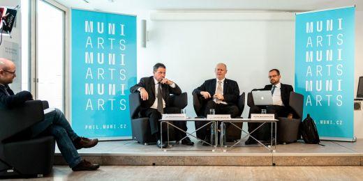 (zleva) Zdeněk Pechal z Univerzity Palackého v Olomouci,  Milan Pol z Masarykovy univerzity a Michal Pullmann z Univerzity Karlovy