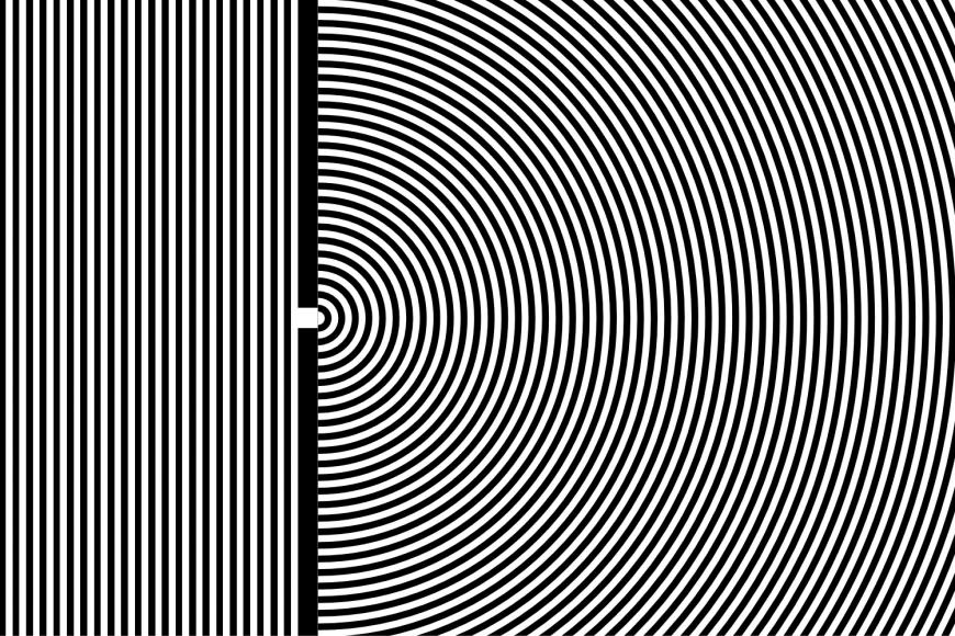 Při dopadu světla (zde zleva) na malý otvor vneprůhledné překážce se za otvorem šíří světlo všemi směry, nejen vpůvodním směru.