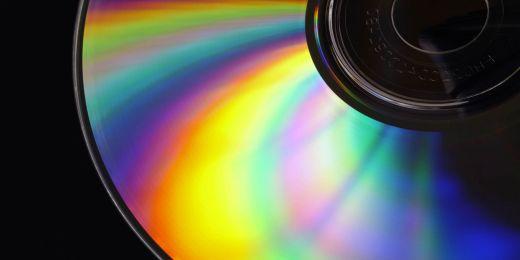 Rozklad světla na CD.