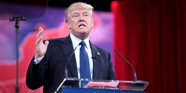 Donald Trump zůstává republikánským favoritem.