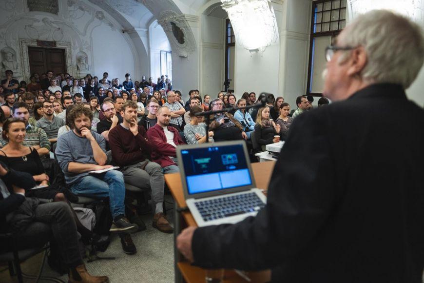 Prestižní Mendel Lectures stop přednášejícími zcelého světa.