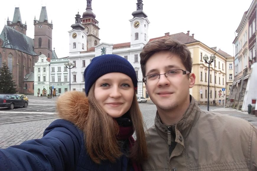 Z Brna si Veronica na Vánoce odskočila do Hradce Králové za kamarádem Stefanem.