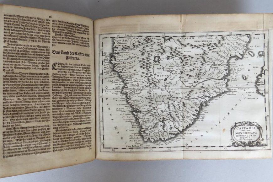 Afrika je popsána na 71 stranách.