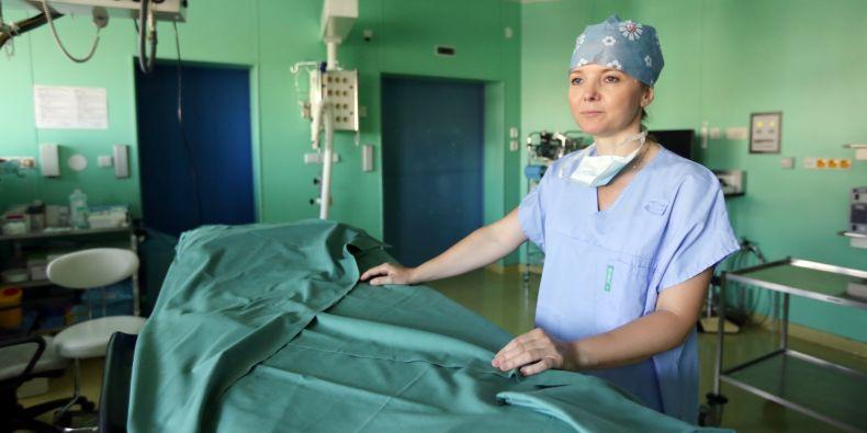 Ještě na počátku studia na lékařské fakultě si Eva Brichtová jako aktivní fotbalistka myslela, že se bude věnovat sportovní medicíně, nakonec ale vyhrála neurochirurgie.