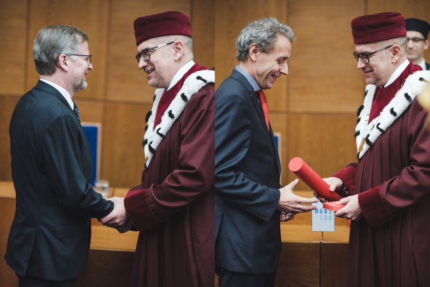 Emeritní rektor MU Petr Fiala aněkdejší rektor Janáčkovy akademie múzických umění Ivo Medek.