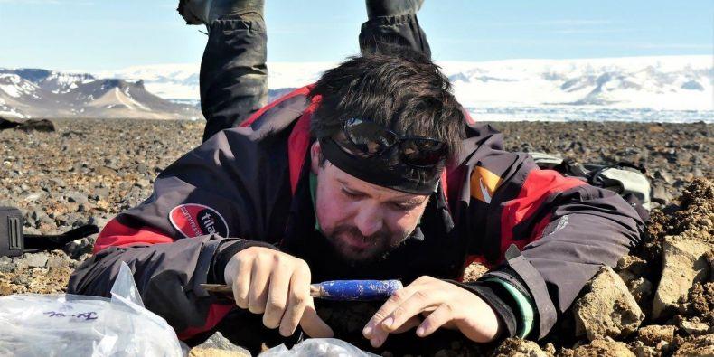 Filip Hrbáček při výzkumu v Antarktidě.