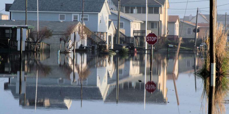Po relativně klidném 20. století, kdy z kolektivní paměti lidí pozvolna vyprchaly vzpomínky na obdobně silné povodně z konce 19. století, přišly záplavy jako blesk z čistého nebe. Ilustrační foto: sxc.hu.