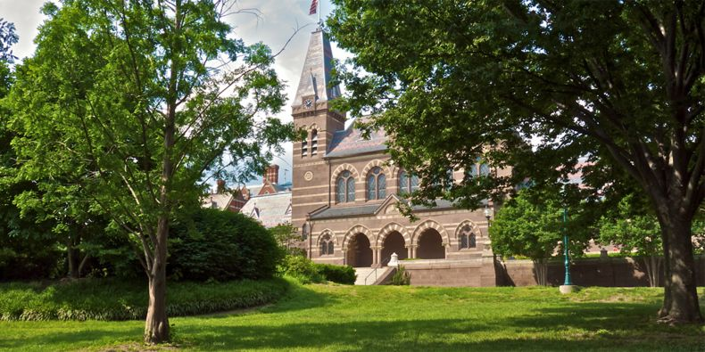 Gallaudetova univerzita ve Washingtonu.