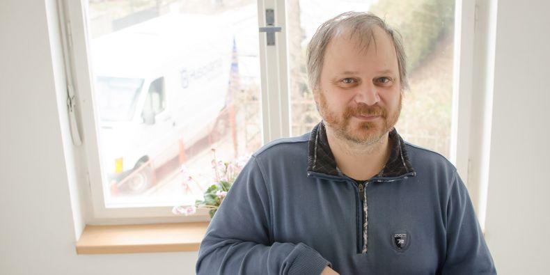 Josef Havíř působí v Ústavu fyziky Země Přírodovědecké fakulty Masarykovy univerzity.