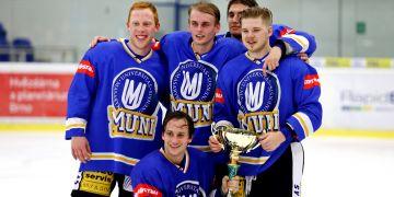 Štěpán Koukal (vlevo) má za sebou dvě účasti na Hokejovém souboji univerzit, kde se MU utkává s VUT.