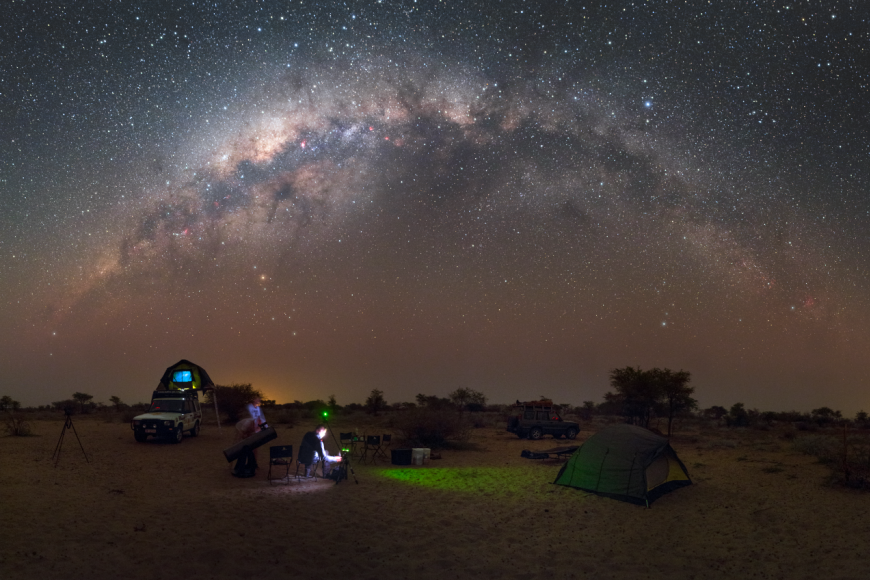 Mléčná dráha vpoušti Kalahari.