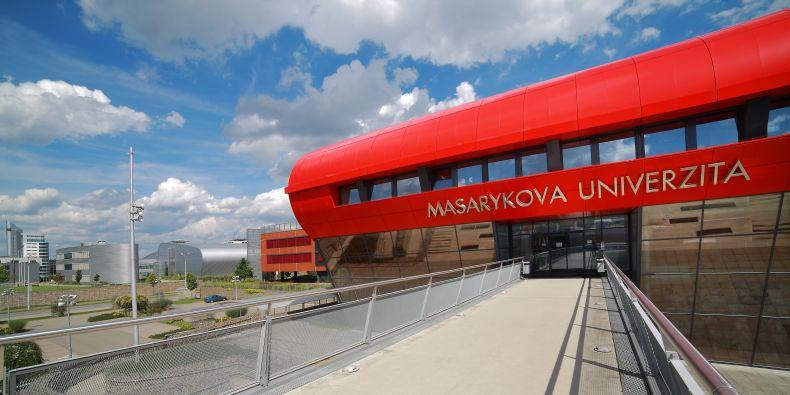 Masarykova univerzita.