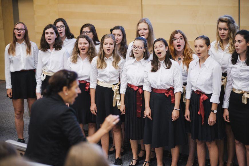 Vystoupení sboru Mladí madrigalisté.