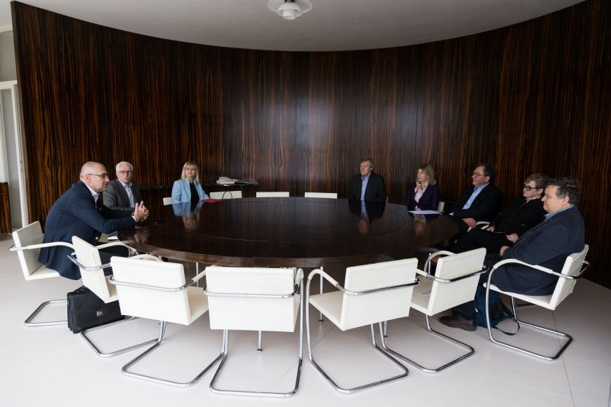 Úvodní setkání ajednání rady se uskutečnilo ve vile Tugendhat.