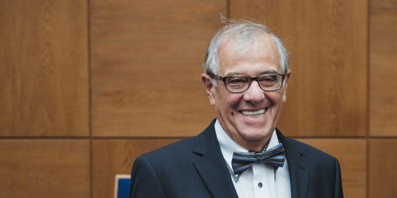 Neurolog Ivan Rektor vedl výzkumnou skupinu, která se zabývala vlivem klasické hudby na epileptické pacienty.