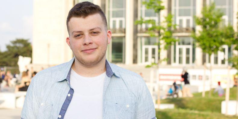 I když Jamalovi v Brně chybí jeho rodina a jordánské jídlo, vracet zpět do své rodné země se nechystá. Po dokončení studia by rád zůstal v České republice.
