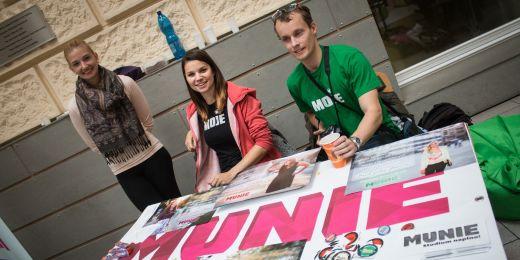 Munie sdržuje všechny studentské spolky na MU a pořádá ty největší studentské akce.