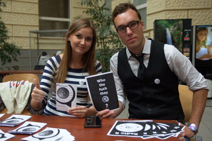 Největší studentské rádio Radio R vysílá zfakulty sociálních studií.