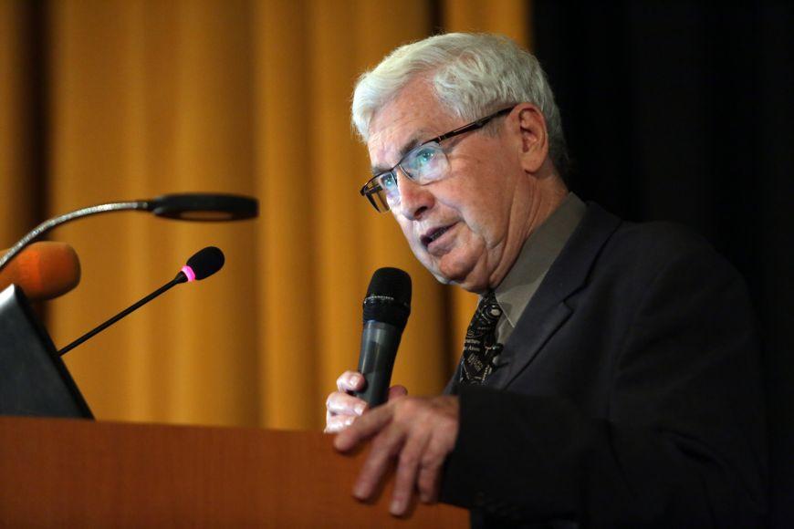 Přední český astronom aastrofyzik Grygar pracuje na Fyzikálním ústavu Akademie věd České republiky.