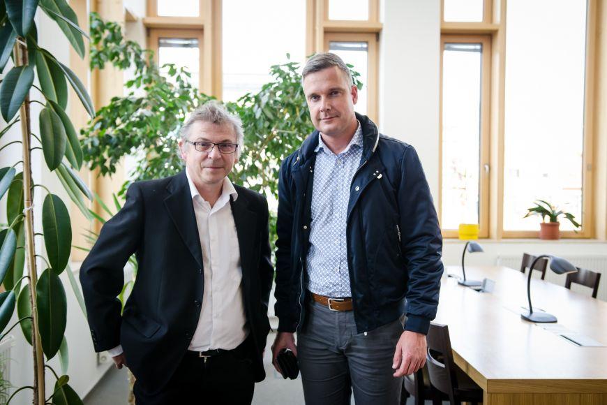 S historikem Tomášem Knozem, který byl Václavkových spolužákem na gymnáziu anakonec iučitelem na fakultě.