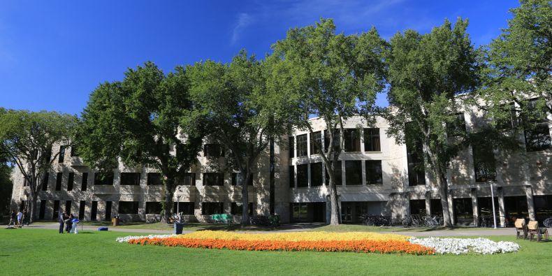 Vojtěch se nakonec rozhodl pro University of Saskatchewan.