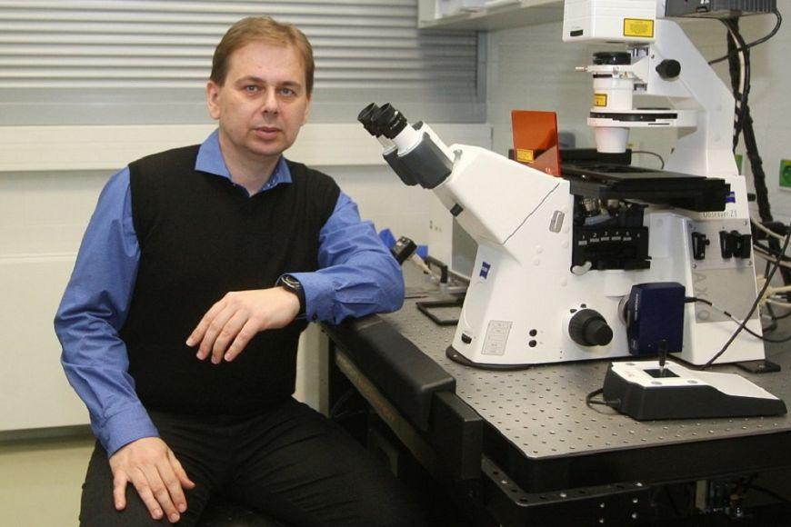 Karel Říha je vCeitecu MU vedoucím výzkumné skupiny Molekulární biologie rostlin.