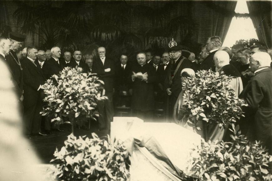 Na kladení základního kamene vroce 1928 přijel iprezident Masaryk.
