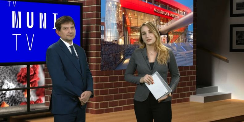 Rektor Martin Bareš ve vysílání MUNI TV.