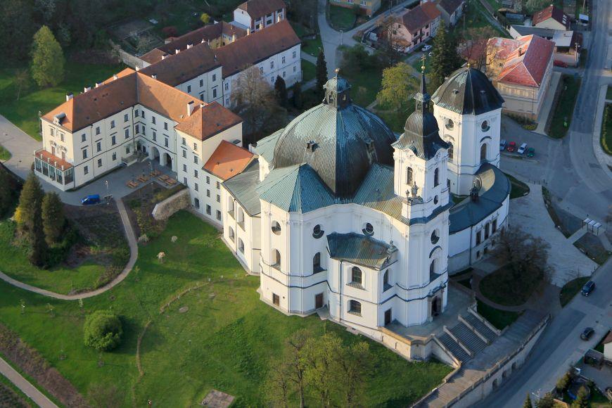 Poutní kostel Jména Panny Marie.