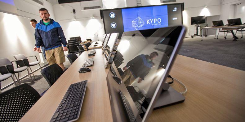 Nová laboratoř umožňuje simulovat v podstatě jakoukoliv část kybernetického prostředí.