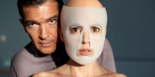 Na festivalu bude k vidění snímek Pedra Almodóvara Kůže, kterou nosím z roku 2011. V hlavní roli jako plastický chirurg Antonio Banderas.