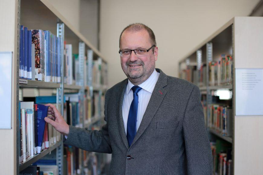 Geolog Jaromír Leichmann vsoučasnoti působí ijako proděkan Přírodovědecké fakulty MU.