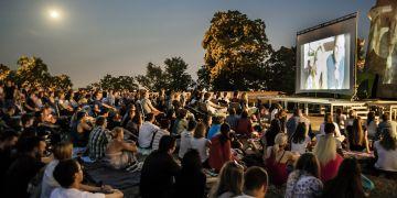 Letní kino na Špilberku nabídne od 4. července především české filmy z poslední doby.